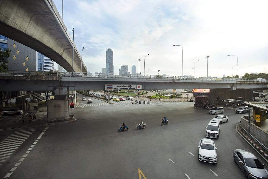 """""""สีลม"""" ถนนมูลค่าสูงสุดในประเทศไทยพรั่งพร้อมทุกศักยภาพ"""